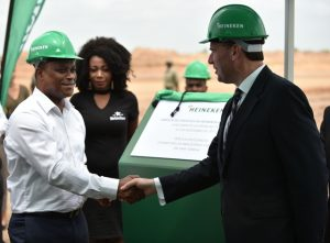 Max Tonela, Mozambique's Minister of Trade and Industry and Boudewijn Haarsma, Heineken International's Managing Director in charge of East & West Africa, during the laying of the foundation of the US$100 million investment